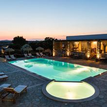 Parosland Hotel in Paros