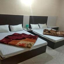 Party Friendly Rooms Near Nakki Lake in Mount Abu