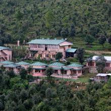 Parwati Resort in Berinag