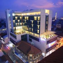 Pasar Baru Square Hotel Bandung in Bandung