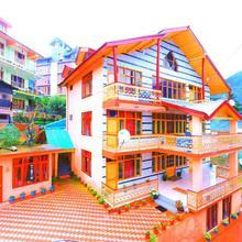 Pause At Manali in Nagar