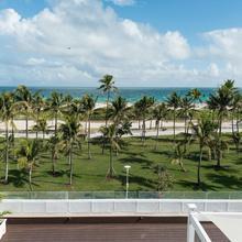 Penguin Hotel in Miami Beach