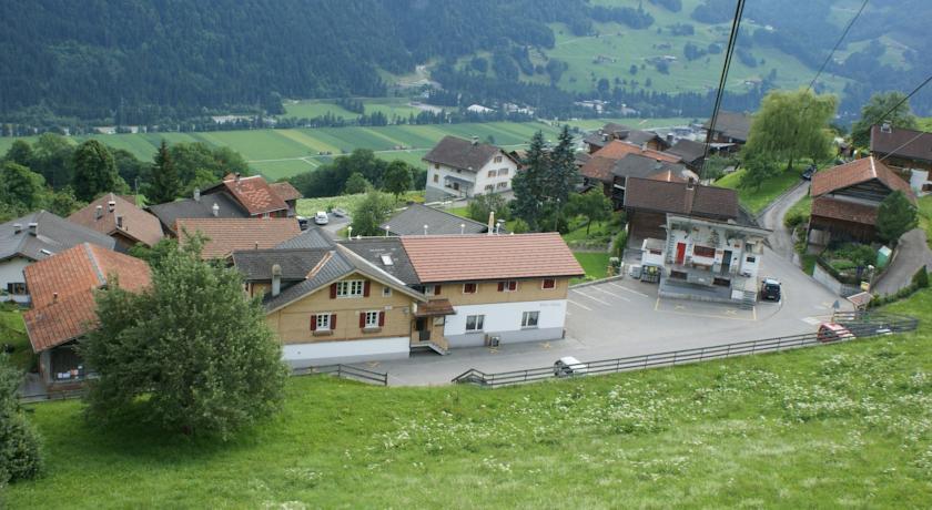 Pension Gasthaus Alpina & Ayurart in Untervaz
