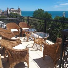 Penthouse Iglika Front Beach in Varna