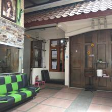 Peony Guesthouse in Bandung
