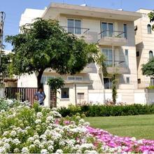 Perch Service Apartments - Sector 40 in Dera Mandi