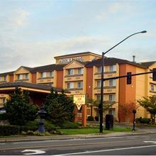 Phoenix Inn & Suites Lake Oswego in Portland