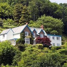 Pine Lodge Guest House in Kentisbury