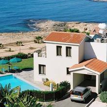 Platzia Beach Villas in Paphos