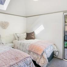 Plum Cottage - Christchurch Holiday Home in Christchurch