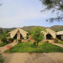 Polo Retreat Resort in Vijayanagar