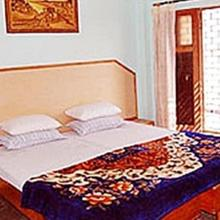 Pooja Guest House in Bharwain