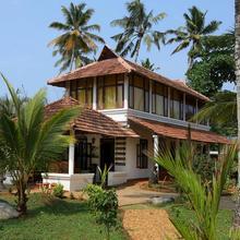 Pozhiyoram Ayurveda Beach Resort in Punnappira