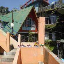 Pp Lodge in Lava