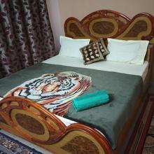 Pratibha Home Stay in Madan Mahal