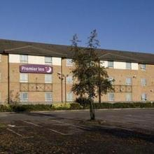 Premier Inn Ashford Central in Charing