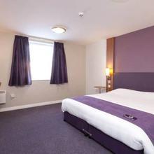 Premier Inn Crewe West in Madeley