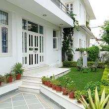 Premium Room Accommodation - Dev Villa in Bedla