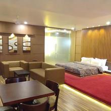 President Hotel in Surendranagar