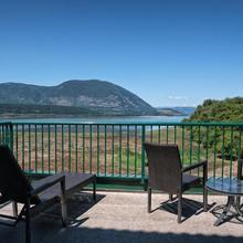 Prestige Harbourfront Resort Salmon Arm in Salmon Arm