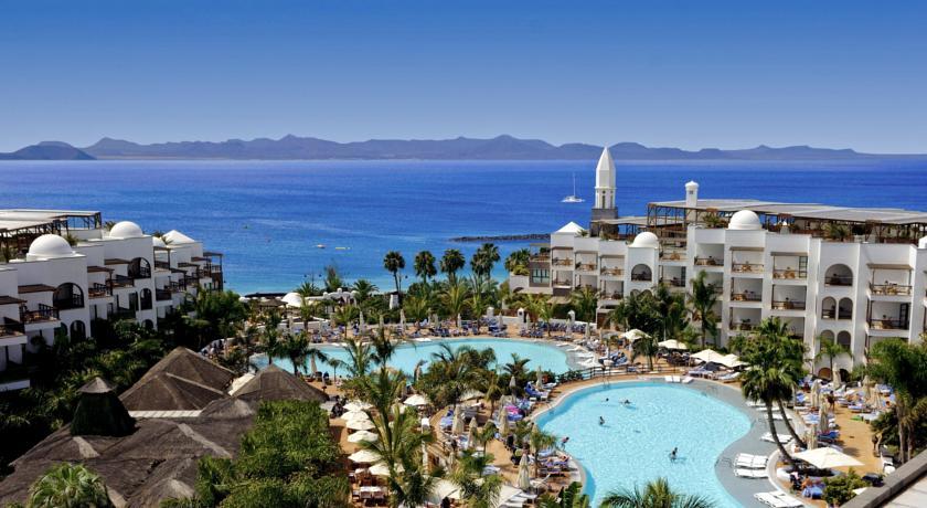 Princesa Yaiza Suite Hotel Resort in Playa Blanca