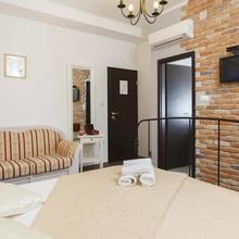Prior Suites Split in Split