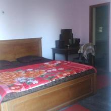 Private Room At Kempty Road in Mussoorie