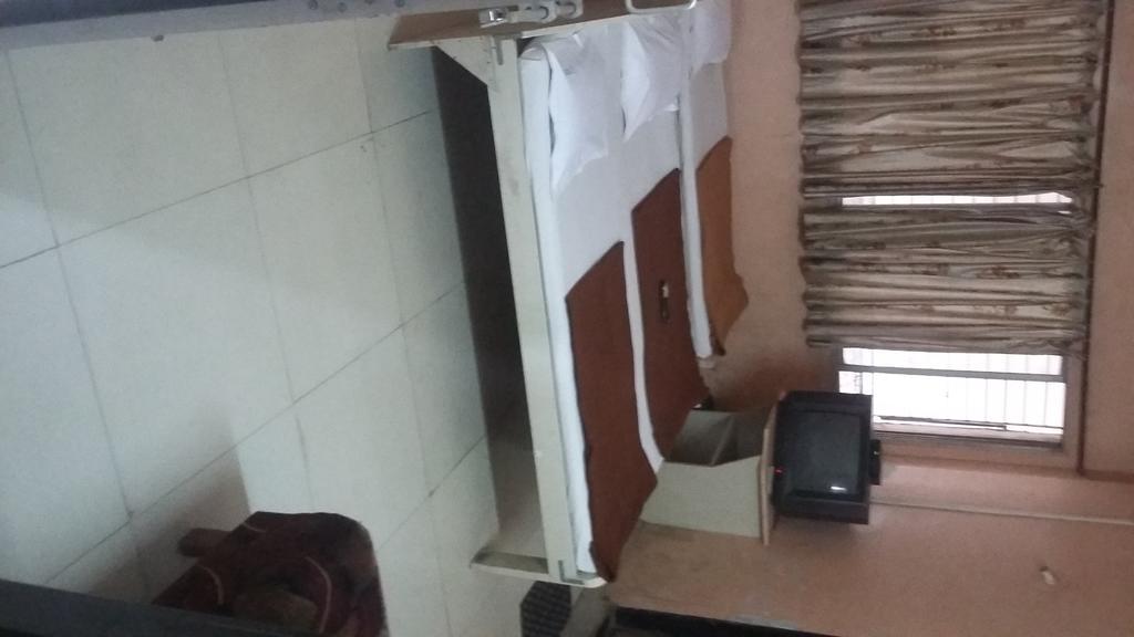 Priya Lodge in Kolhapur