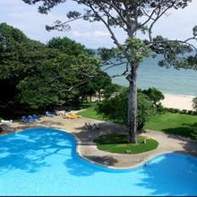 Purimas Beach Hotel & Spa in Phla