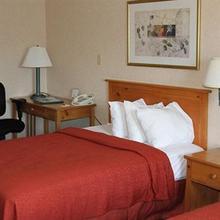 Quality Inn & Suites Port Huron in Sarnia
