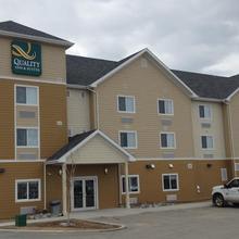 Quality Inn & Suites Thompson in Thompson