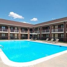 Quality Inn At Fort Lee in Woodvale