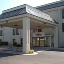 Quality Inn Fayetteville Regional Airport in Judson