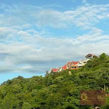Queens Hill Hotel & Resort in Kurseong