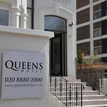 Queens Hotel in Hendon