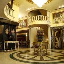 Queens Suite Hotel in Beirut