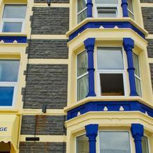 Queensbridge Hotel in Aberdyfi