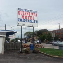 Queensway Motel in Toronto