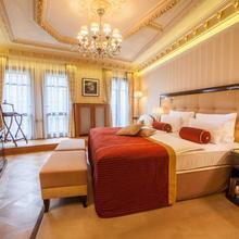 Quisisana Palace in Karlovy Vary