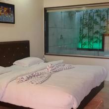Raanjan Hills Resort in Waki