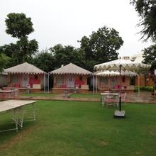 Raasleela Luxury Camp in Bedla