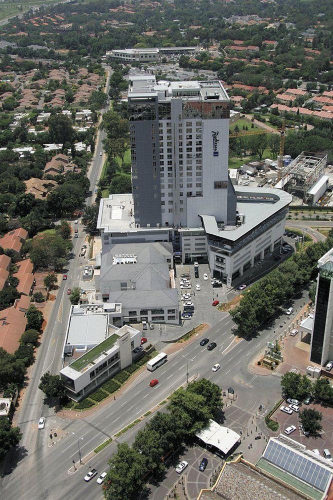 Radisson Blu Hotel Sandton, Johannesburg in Johannesburg
