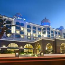 Radisson Blu Plaza Hotel Mysore in Belagula