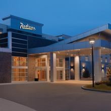 Radisson Hotel & Conference Center Calgary Airport East in Calgary