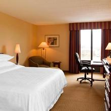 Radisson Hotel Hauppauge-long Island in Islip