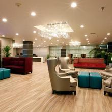 Radisson Hotel Oakland Airport in Hayward