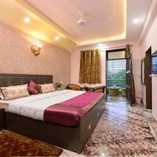 Rainbow Home Stay in Agra