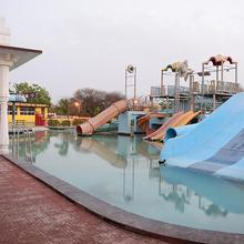 Rajwada Resort Water Park & Spa in Nathdwara