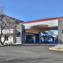 Ramada By Wyndham Albuquerque Midtown in Albuquerque
