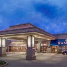 Ramada By Wyndham Kelowna Hotel & Conference Center in Kelowna
